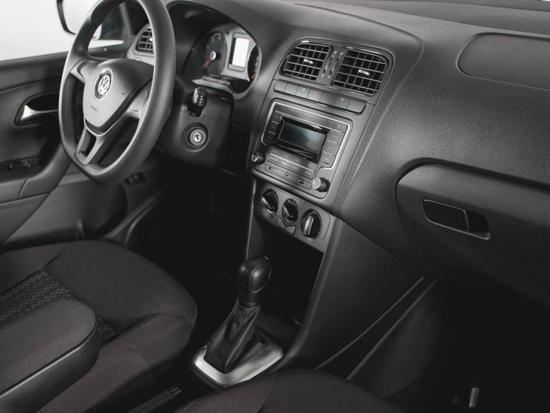 Volkswagen Polo 1.6 MPI AT (110 л. с.) Trendline