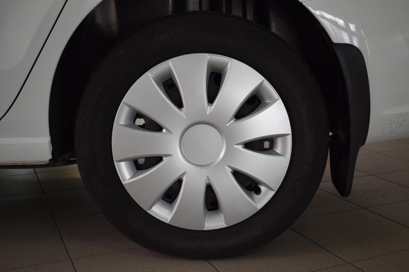 Volkswagen Polo 1.6 MT (85 л. с.)
