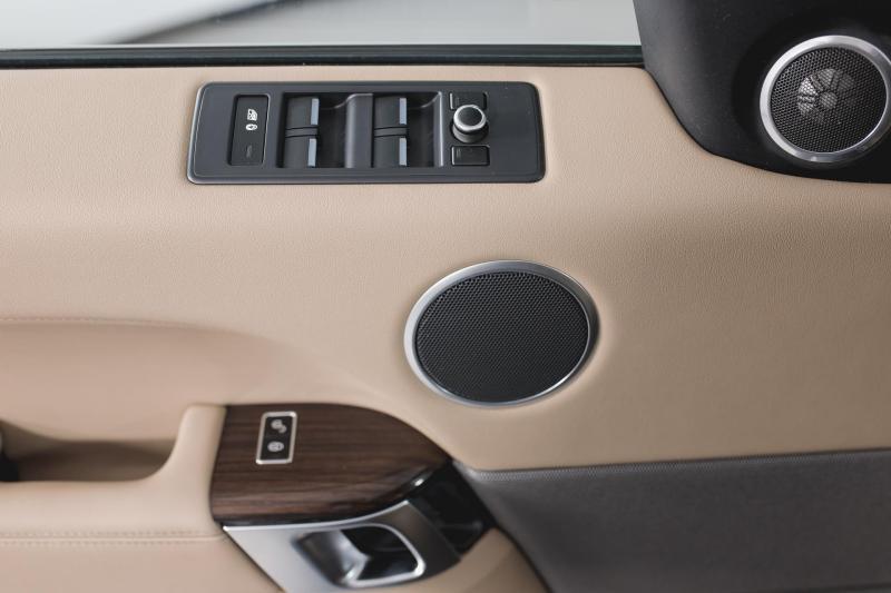 Land Rover Range Rover Sport 3.0 TDV6 AT AWD (249 л. с.) SE