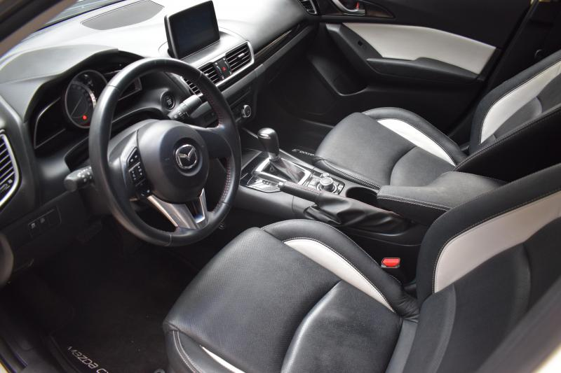 Mazda 3 1.5 SKYACTIV-G AT (120 л. с.)