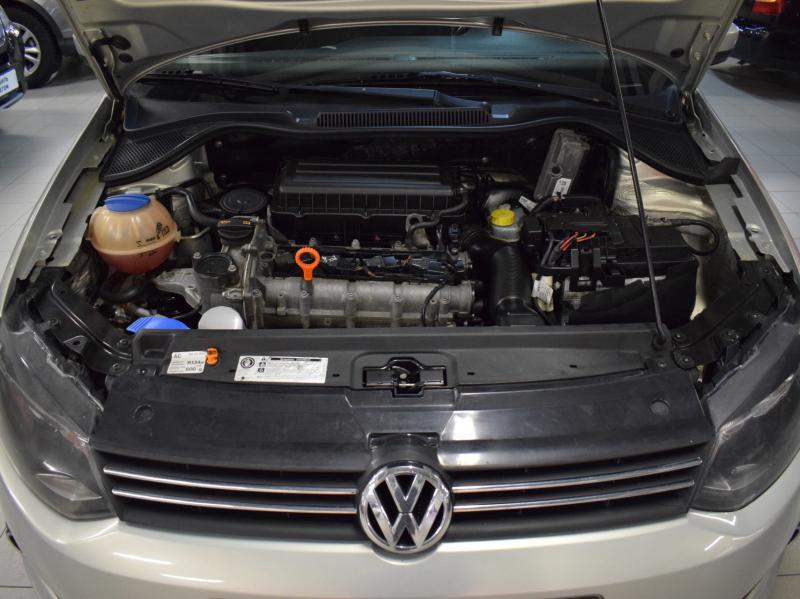 Volkswagen Polo 1.6 Tiptronic (105 л. с.)