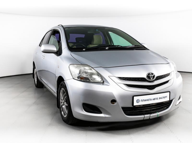 Toyota Belta 1.0 CVT (72 л. с.)