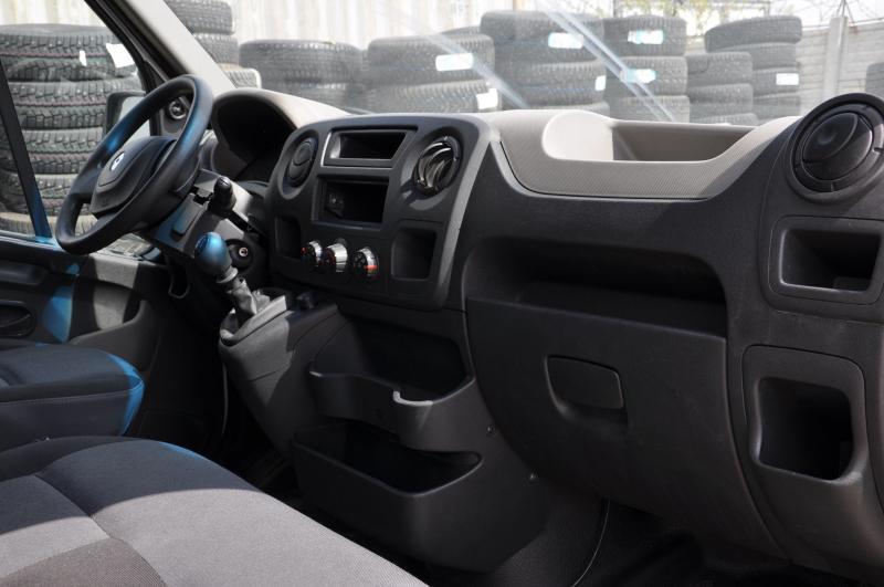 Renault Master 2.3 dCi MT RWD L4H3 4500 (125 л. с.'12)