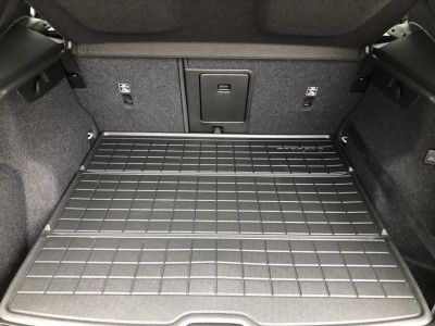 Volvo XC40 2.0 D4 Drive-E AT AWD (190 л.с.) Momentum